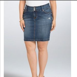 Torrid Denim distressed mini skirt sz 3